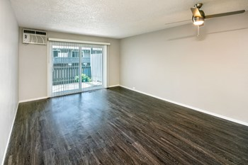 1038 Second St 1-3 Beds Apartment for Rent Photo Gallery 1