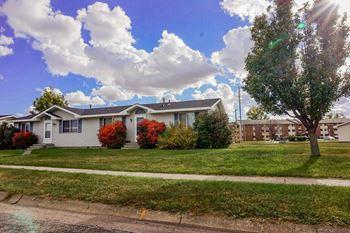 2608 Big Horn Drive 2-3 Beds Apartment for Rent Photo Gallery 1