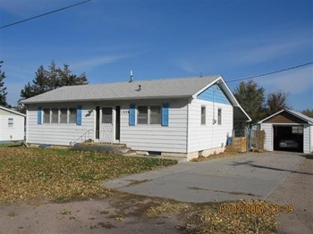 1329 22nd Avenue 2 Beds House for Rent Photo Gallery 1