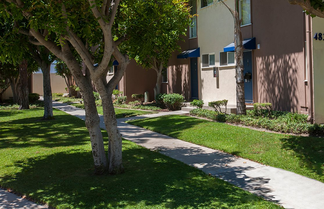 Resort Style Community At Patio Gardens California 90815