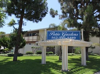 4874 E Los Coyotes Diagnal 2 Beds Apartment for Rent Photo Gallery 1