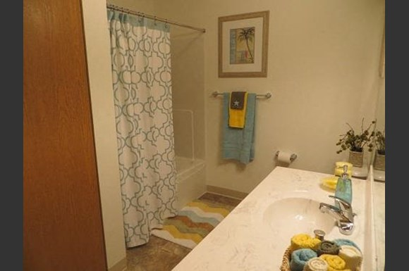 The Apartments at Eastern Woods, 15503 River Birch Court, Findlay ...