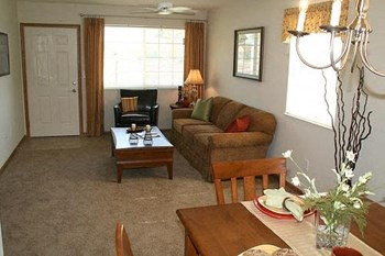 2009 Spring Meadow Drive 1-2 Beds Apartment for Rent Photo Gallery 1