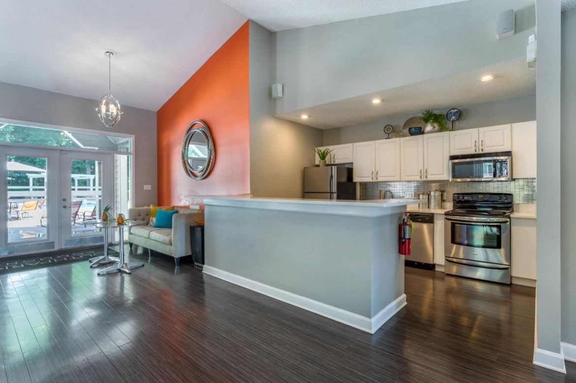 Southpark Commons Apartment Homes|Clubhouse Kitchen