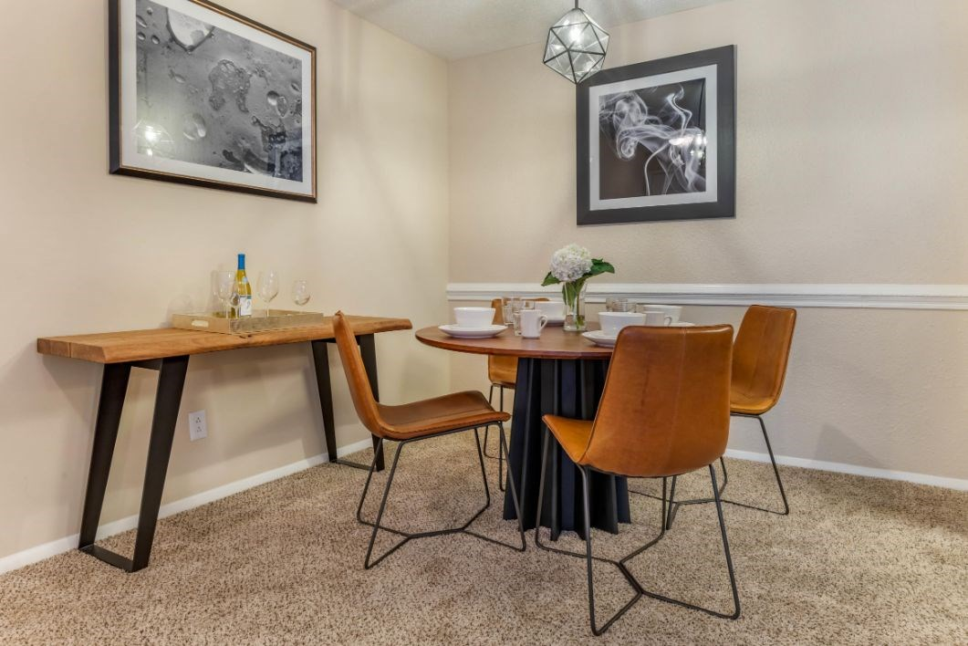 Southpark Commons Apartment Homes|Fully Furnished Dining Room