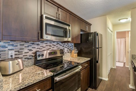 Southpark Commons Apartment Homes|Fully Furnished  Kitchen