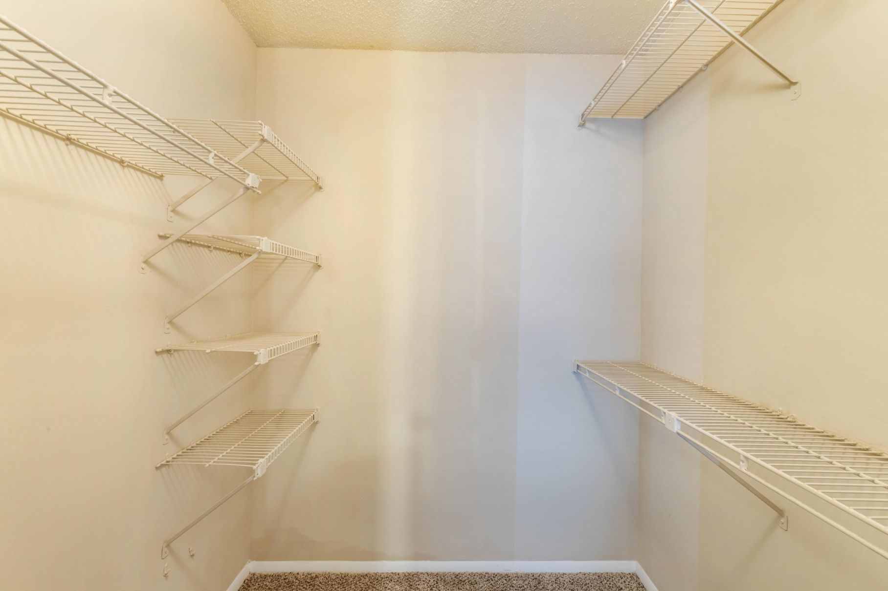 Southpark Commons Apartment Homes|Walk In Closet