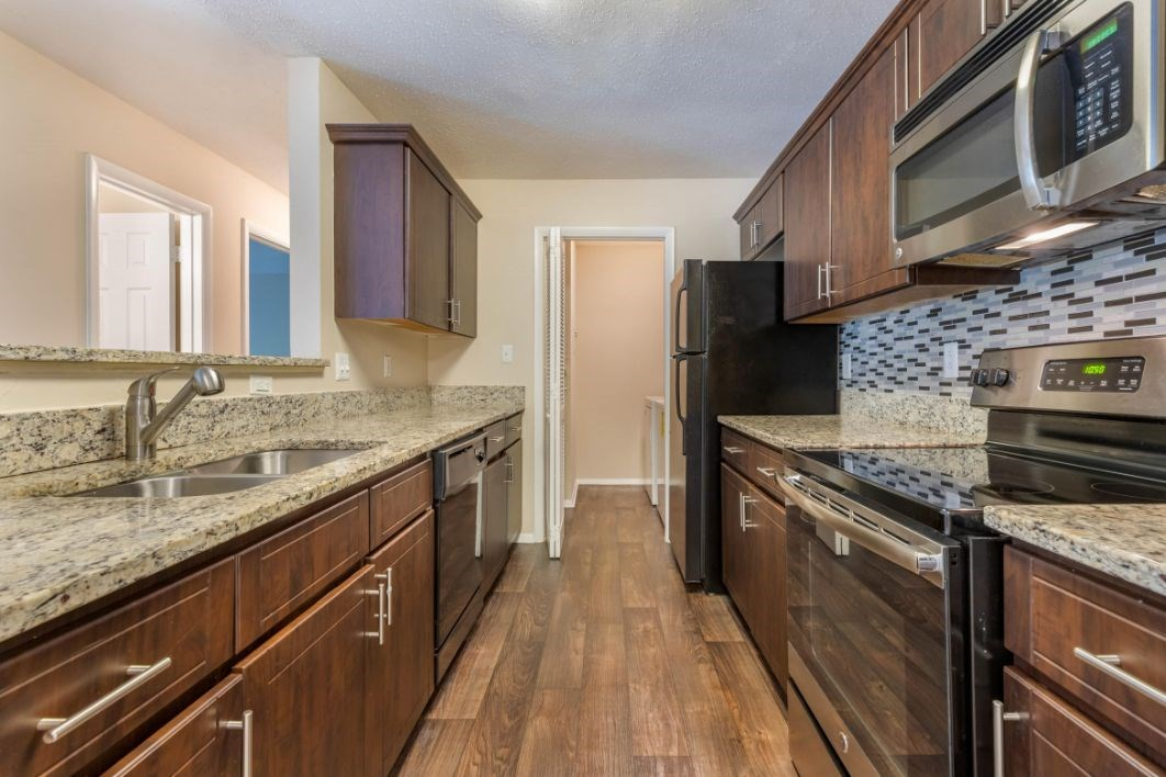 Southpark Commons Apartment Homes|Kitchen