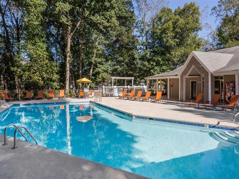 Southpark Commons Apartment Homes| Swimming Pool