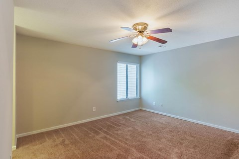 Regency Park| Bedroom with Wall to Wall Carpet