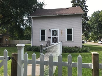 523 11Th Street North 5 Beds House for Rent Photo Gallery 1
