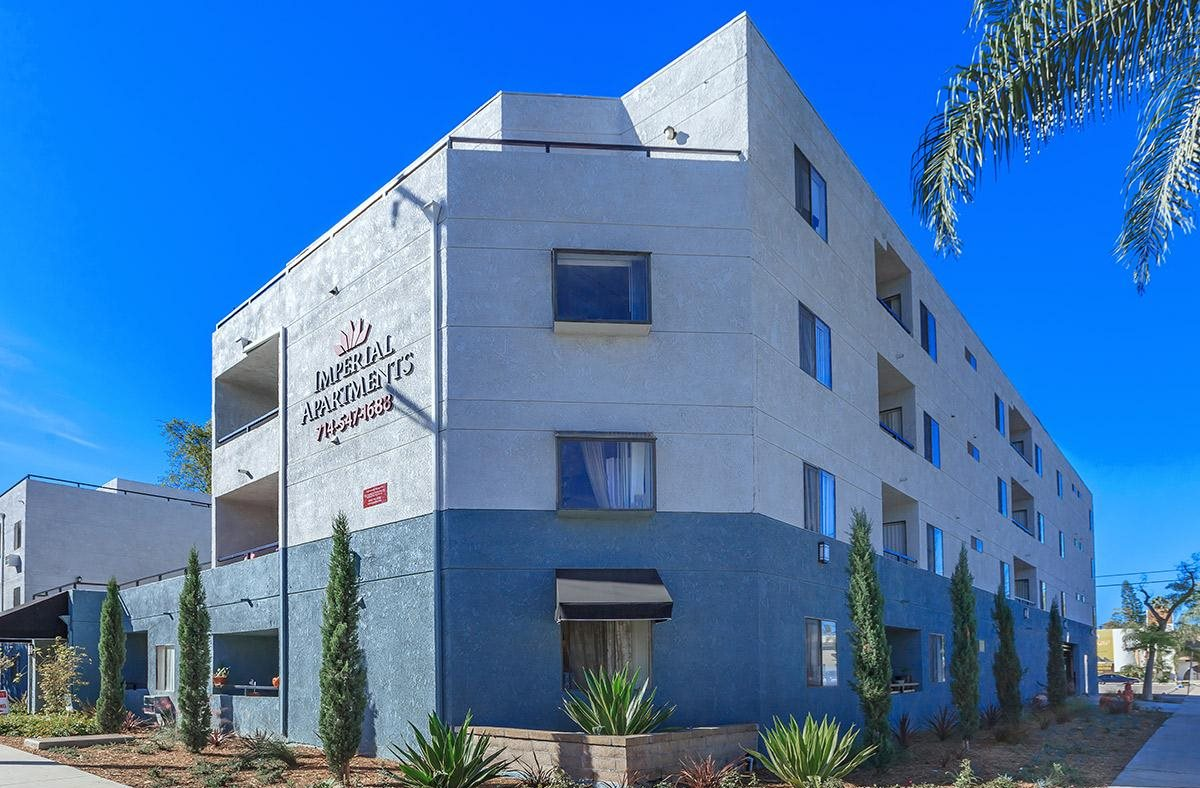Exterior Building View Of Imperial Apartments in Santa Ana, CA.