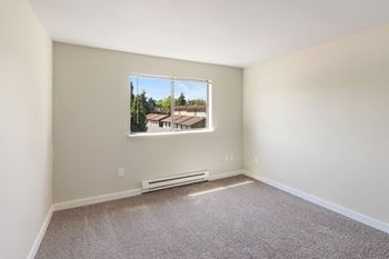 9210 S Hosmer St 1-2 Beds Apartment for Rent Photo Gallery 1
