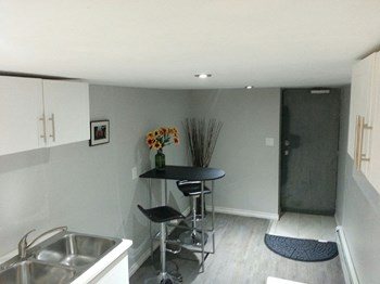 125 Page Street 1 Bed Apartment for Rent Photo Gallery 1