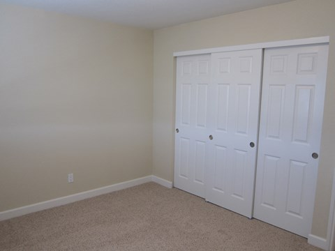 Bedroom show with closet