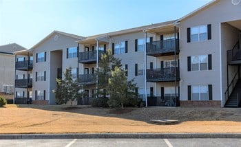 1500 Windsor Court 1-3 Beds Apartment for Rent Photo Gallery 1