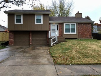 520 Airway Ln 3 Beds House for Rent Photo Gallery 1