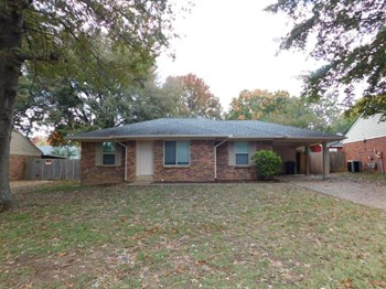 3400 Greenway Dr 3 Beds House for Rent Photo Gallery 1