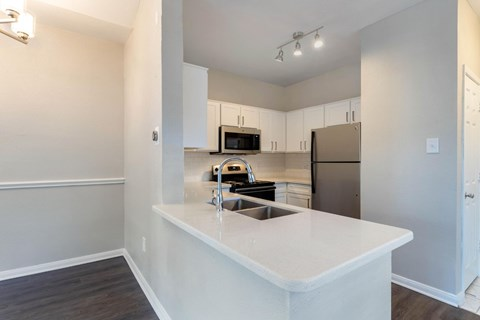 Fully Equipped Kitchen with Breakfast Bar Area