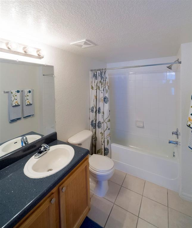 Noah's Landing Apartments Bathroom