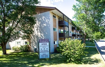 3705 Willowdale Crescent 1-2 Beds Apartment for Rent Photo Gallery 1