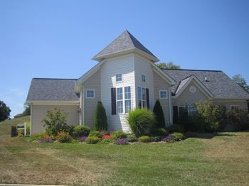2 Quiet Creek Drive 2-3 Beds Apartment for Rent Photo Gallery 1