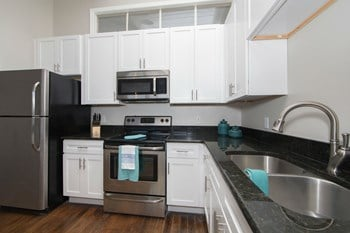 312 East Broad Street 1-2 Beds Apartment for Rent Photo Gallery 1