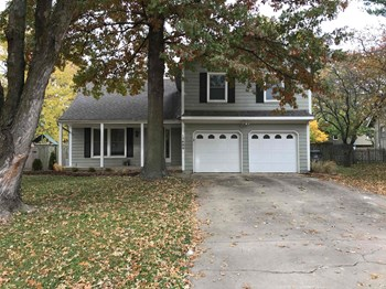 15600 W 146th Street 4 Beds House for Rent Photo Gallery 1