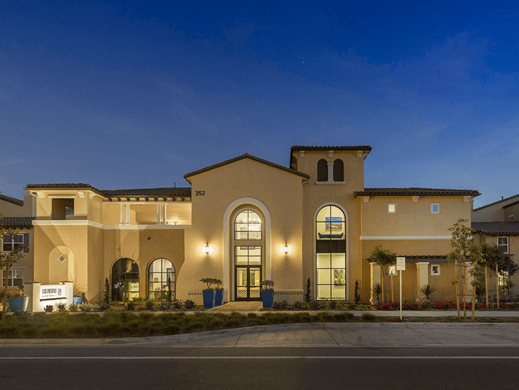 Apartment Homes Available at Las Positas Apartments, Camarillo, CA, 93010
