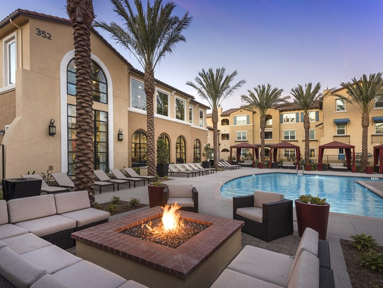 Swimming Pool with Fire Pit Lounge for Resident Enjoyment