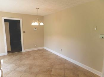 4433 Rivershore Drive 3 Beds House for Rent Photo Gallery 1