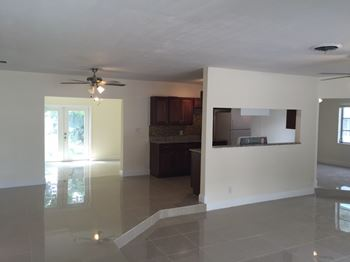 2700 W Cypress Creek Rd 2 Beds Apartment for Rent Photo Gallery 1