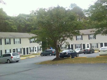16 Courthouse Mountain Road, #117 1-2 Beds Affordable Housing for Rent Photo Gallery 1