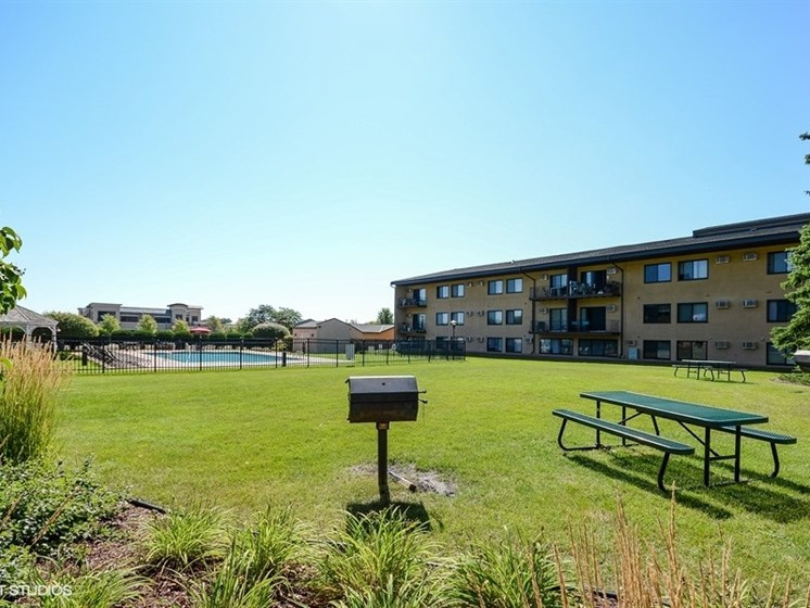 Grilling picnic areas and gorgeous views at Equinox Apartments