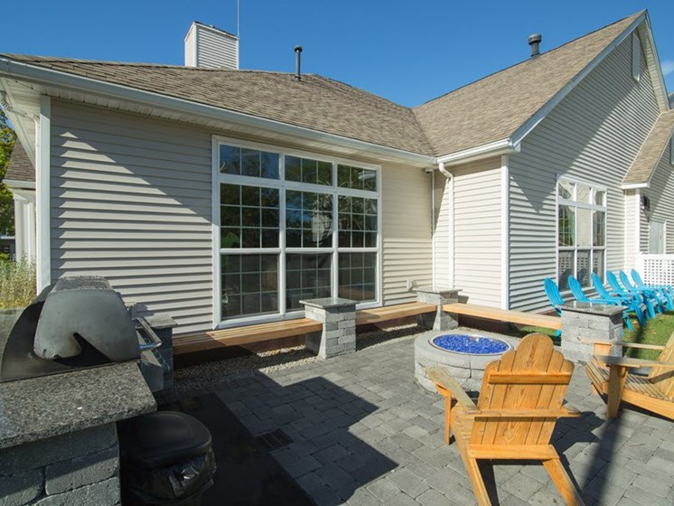 Outdoor Firepit and Picnic Area with BBQ Grills at Town Walk at Hamden Hills, Hamden, 06518