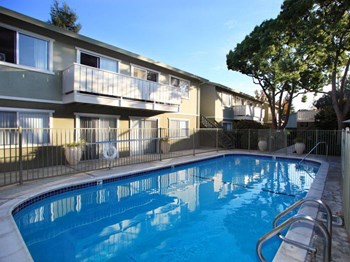 498 Boynton Avenue 1-2 Beds Apartment for Rent Photo Gallery 1