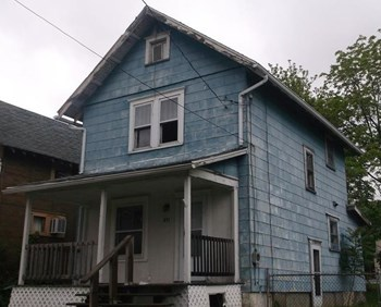 891 Berghoff St. Studio House for Rent Photo Gallery 1