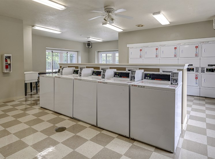 Laundry Room at Woodbridge Bloomington