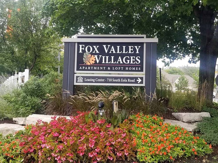 Fox Valley Villages Welcome sign