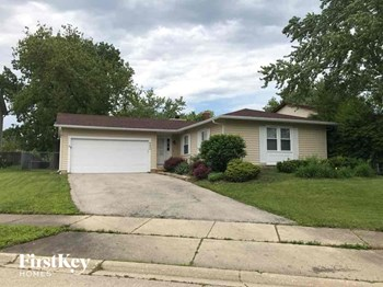 2450 N Crescent Ln 3 Beds House for Rent Photo Gallery 1
