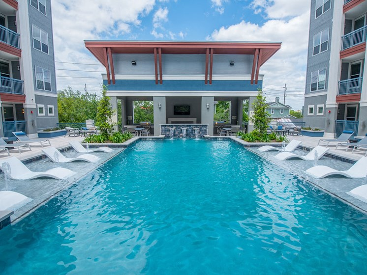 apartments in midtown houston swimming pool