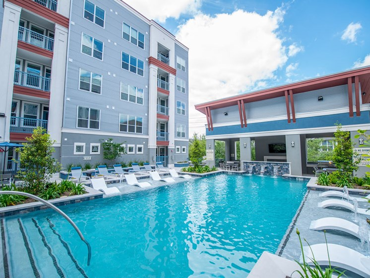 apartments in midtown houston infinity pool