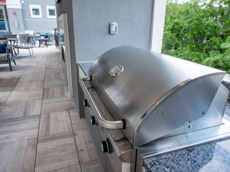 grilling station apartments in midtown houston