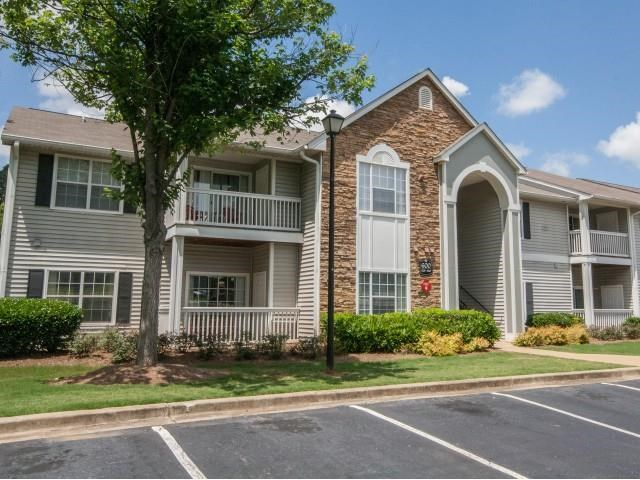 Ample Parking Area And Detached Garages Available at Lullwater at Calumet, Newnan, Georgia