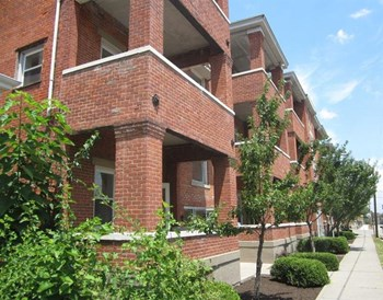 2721-2729 Euclid Avenue 1-3 Beds Apartment for Rent Photo Gallery 1