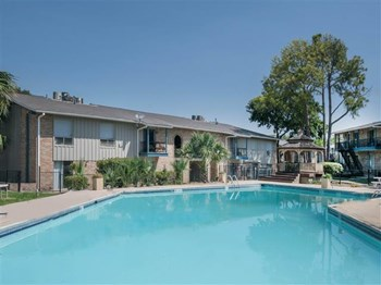 6900 N Vandiver Road 1-2 Beds Apartment for Rent Photo Gallery 1