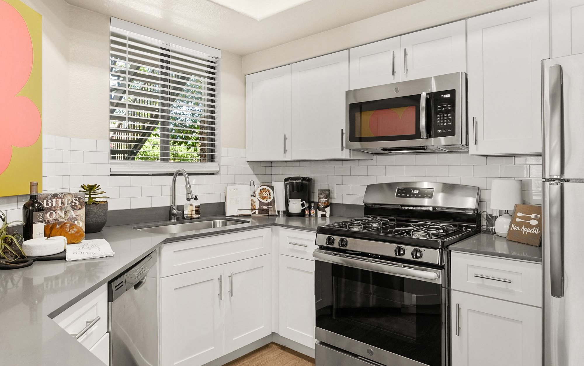 San Portella Apartments Kitchen Counter and Appliances