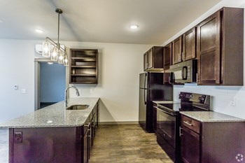 501 N. Magnolia St 1-2 Beds Apartment for Rent Photo Gallery 1