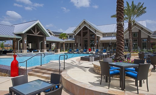 Image of the pool and our resident clubhouse