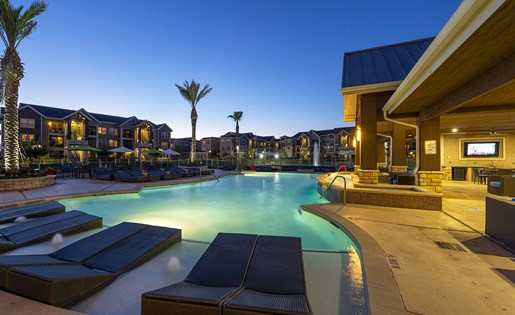 Image of our swimming pool Just minutes from the 10 freeway